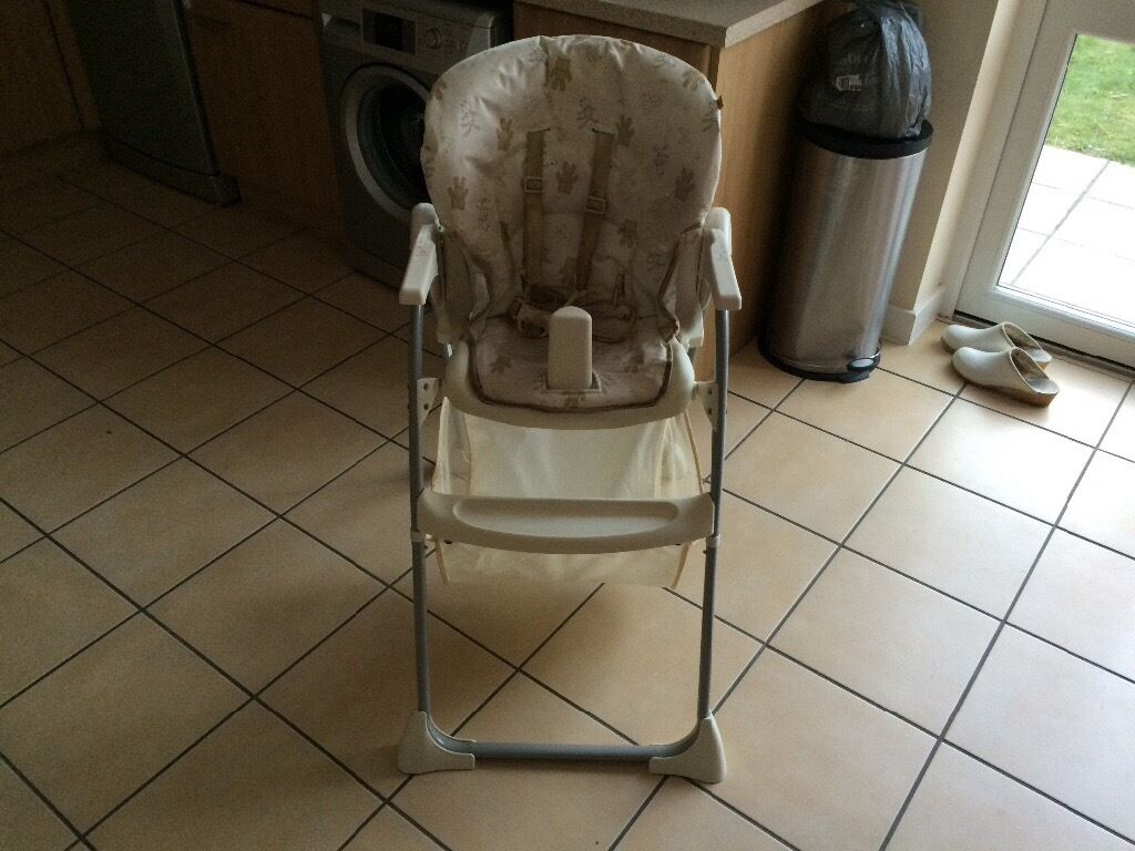 Folding highchair with tray