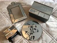 Mirrored dressing table accessories