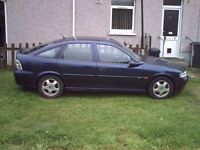 Vauxhall Vectra 2.0 GLS five door hatchback 1999. Spares or repair