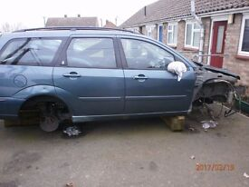 2002 Focus 2.0 ghia estate most parts available being stripped