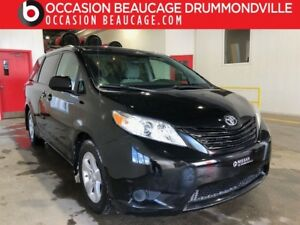 2011 Toyota Sienna V6 - 7 PASSAGERS- HITCH- JAMAIS ACCIDENTÉ!!