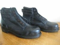 NEW 'GOLIATH' LEATHER SAFETY BOOTS / SHOES - SIZE 9 - (Kirkby in Ashfield)..