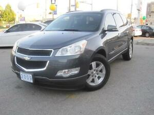 2009 CHEVROLET TRAVERSE LT | 8 Passenger • Leather