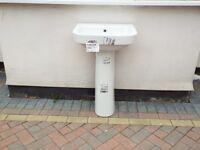white wash hand basin