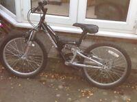 Boys 6 gear bike. To suit approx 8/9 year old, wheel diameter 41cm. Serviced last summer.