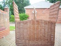 large wicker picnic basket/hamper