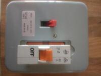 Garage Shower metal Wylex Consumer Unit Fuse Box 40A MCB circuit breaker