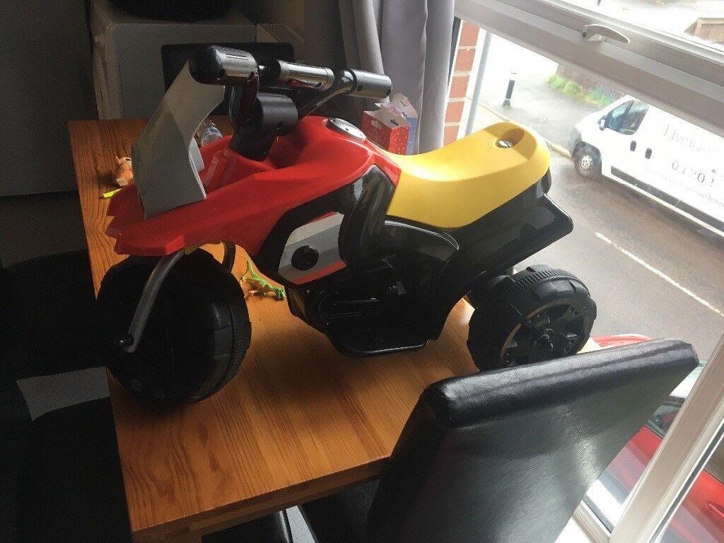 Electric powered quad bike