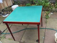 VINTAGE CARD TABLE WITH FOLDING LEGS MADE IN 1934 BY VONO CAN DELIVER