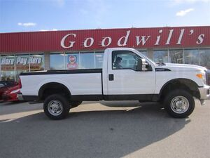 2012 Ford F-250 XL! REG CAB!