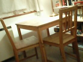 Table and 2 chairs (wood)
