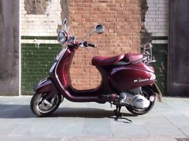 Piaggio Vespa LXV 125 Vie Della Moda Limited Edition Scooter - Low Mileage - Chianti Red