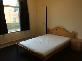 Large Double Rm Nr city centre includes internet, water, tv license, council tax