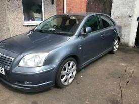 "2004 TOYOTA AVENSIS 2.0 PETROL. GREY. LEATHER INTERIOR. 17"" ALLOYS. BREAKING FOR PARTS SPARES ONLY."