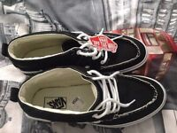 BRAND NEW MENS VANS TRAINERS WITH TAGS. SIZE UK 10.