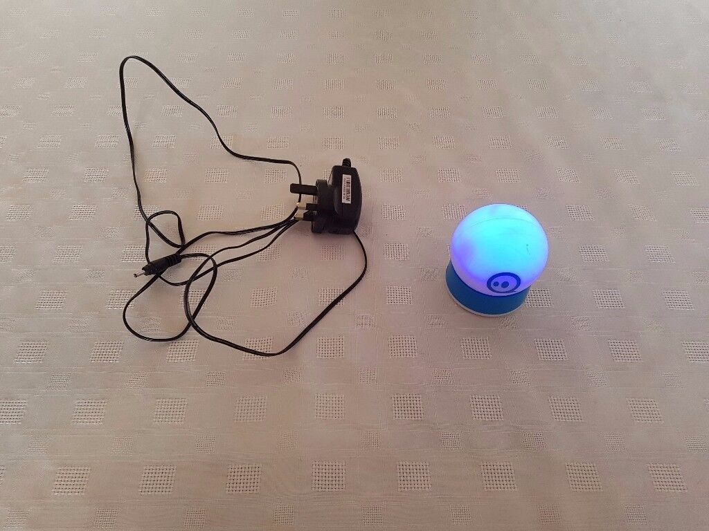The App-Controlled Robot Ball - SPHERO Sphero 2.0 – smart Toy - Christmas gift idea