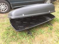 Large roof box