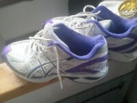 Asics Gel ladies trainers small size 6 (39) metallic purple trims EXC. COND. (Sherwood)
