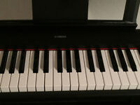 Electric keyboard Yamaha NP11 with stand