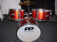 PERFORMANCE PERCUSSION PP150RD METALLIC RED AND CHROME 1/4 SIZE 5 PIECE DRUM KIT