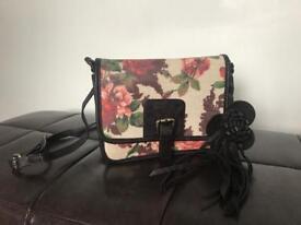 Brand new Dickins and jones handbag!!