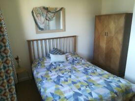 Bright double room in Dornoch