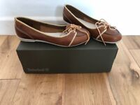 Timberland boxed ladies tan pumps