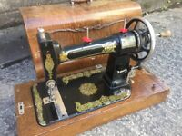 1912 Antique Sewing Machine FREE DELIVERY Hand Crank Vintage Collector USA Singer Model C