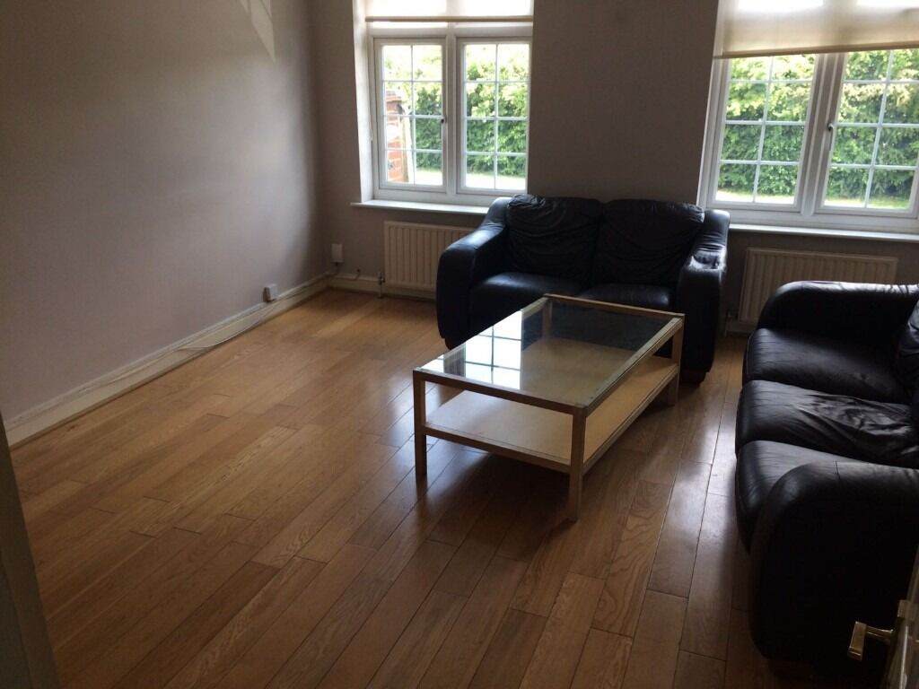 BEAUTIFUL 2 BED FLAT IN CHADWELL HEATH