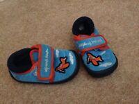 Boys clarks aeroplane slippers size 3g