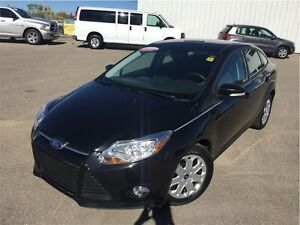 2012 Ford Focus SE - LOADED!