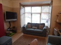 SB Lets are delighted to offer a lovely 2 bedroom holiday let with a garden; between Hove &Portslade