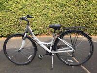 Apollo Elyse Lightweight Ladies bike