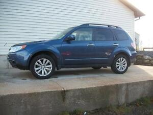 2011 Subaru Forester 2.5L TOURING PACKAGE MANUAL