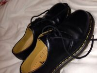 Black doc martens size 6 only worn a few times