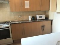 ***Lovely single room minutes way from Wood Green statin £90 Weekly***