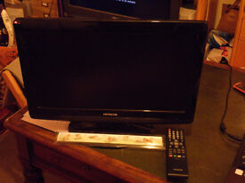Hitachi 19LD5550U with remote. In working order.