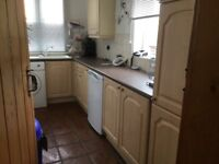 Fitted Kitchen Units £100 Buyer To Dismantle Altrincham Area