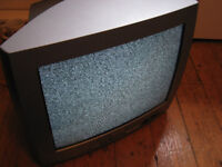 """Vintage 20"""" CRT TV for Retro Gaming"""