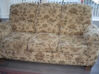 3 PCE SUITE (3SEATER SETTEE & 2 CHAIRS)