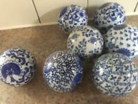 8 decorative balls