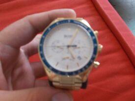 hugo boss Ikon Tachymetre watch like new in gold