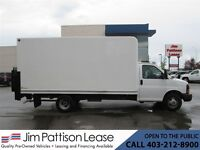 2010 GMC Savana 3500 6.0L 16 Ft. Cube Van w/ Power Lift Gate