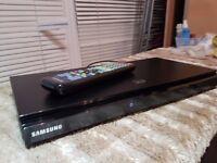 Samsung BD-D5500 Blu-ray 3D Smart Hub Player