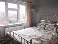 1 bedroom apartment, close to South Ealing Station, Top Floor, Lovely View, Quick Let Out