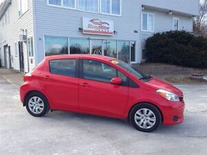 2014 Toyota Yaris LE Automatic 4 door with Hatch