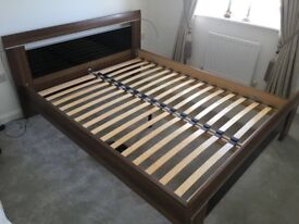 Berkeley Bed Walnut & Black Gloss (Dreams) KING