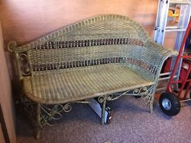 Wicker chaise lounge seat