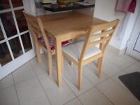 Extending Kitchen Table 2 Chairs Light wood