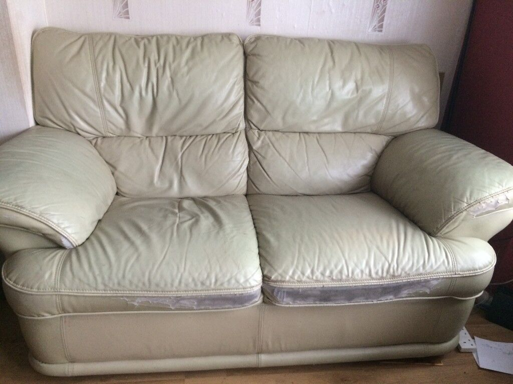 Old Sofas 3 Seater 2 And A Reclining Chair Very Comfortable If
